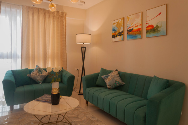 Vibrant and Cheerful Living room