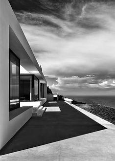 12-Silver-House-Luxury-Residence-–-Zakyn