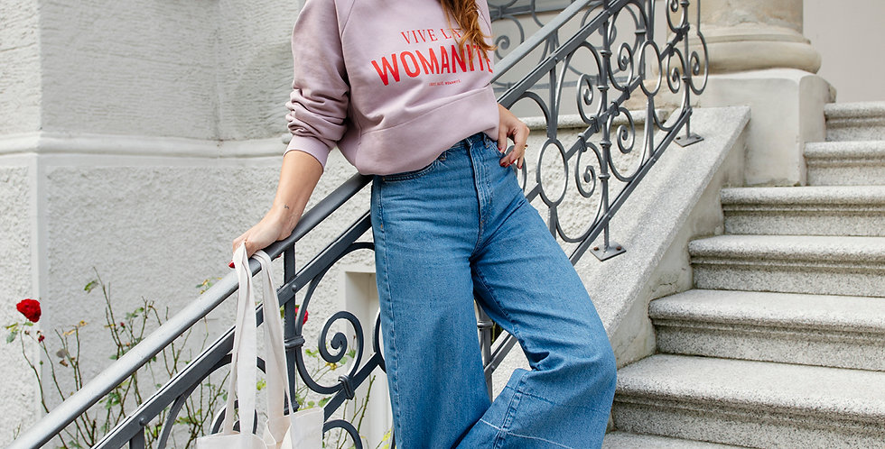 VIVE LA WOMANITÉ // SWEATER
