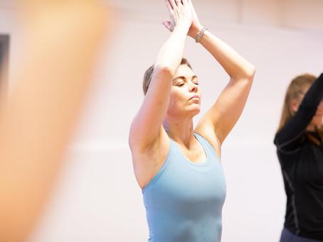 """Hvorfor chante """"OM"""" i en yogaklasse?"""
