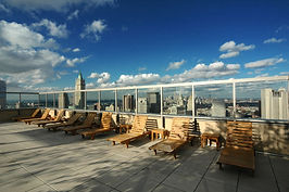 Roof_terrace,_nyc.jpg