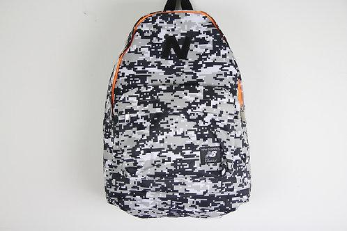 Черно-белый рюкзак New balance Classic