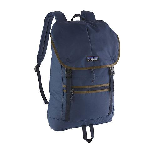 Patagonia Arbor Classic Pack 25L Blue Женский небольшой рюкзачок из прочных и надежных материалов.