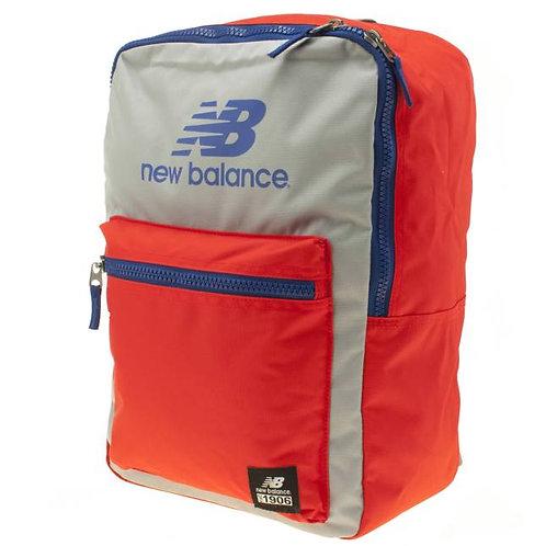 Аранжево-серый рюкзак от New balance. Отличный рюкзак для городской тусовки! Широкие молнии-застежки.
