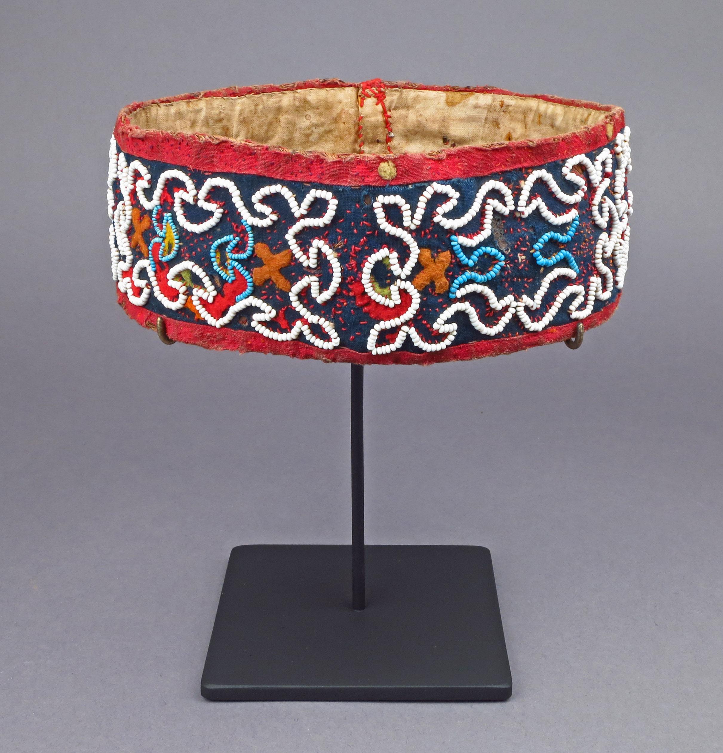 Toraja-headband-frt