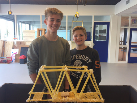 Assignment build a bridge out of spaghetti