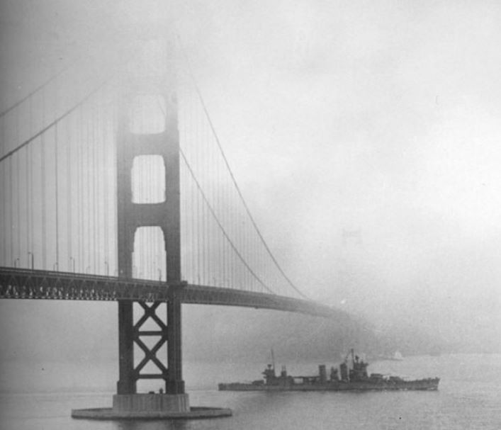 Golden Gate Bridge, fog, 1938   - A Classic Review