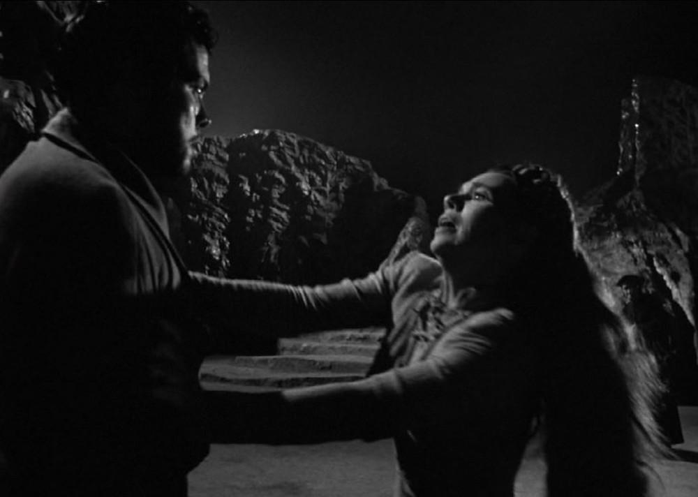 Orson Welles, Jeanette Nolan   - A Classic Review