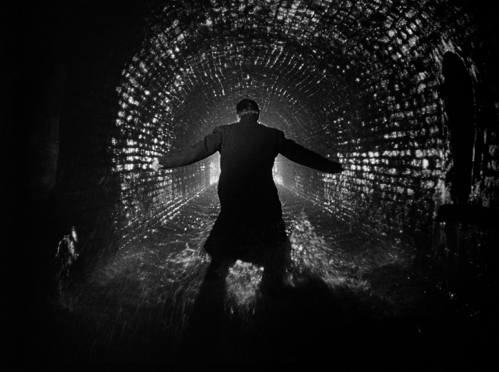 medium shot, Orson Wells, stone sewer - A Classic Review