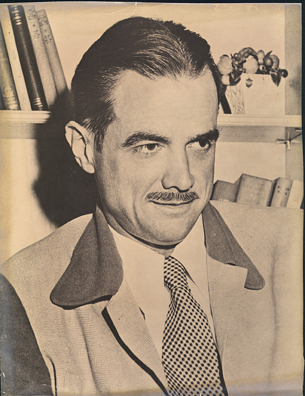Historical photo Howard Hughes - A Classic Review