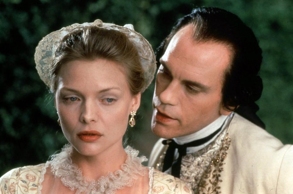 Madame de Tourvel (Michelle Pfeiffer), Vicomte de Valmont (John Malkovich) - A Classic Review