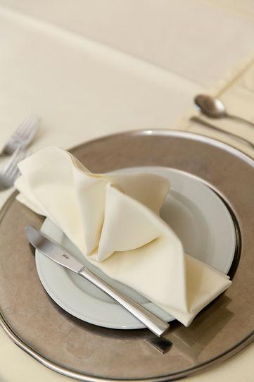 plate-restaurant-hotel-texture-210897.jp