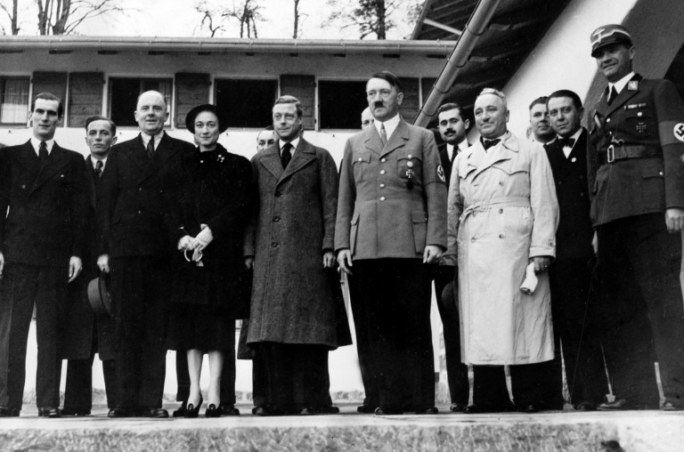 Wallis Simpson, Prince Edward, Hitler - A Classic Review