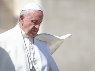 Papa pede que católicos rezem o terço contra as ameaças do espírito maligno