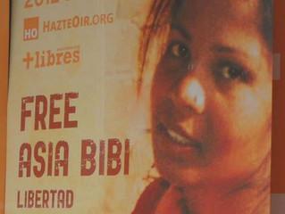 Milhares de muçulmanos exigem a execução da mãe católica Asia Bibi