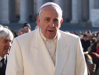 Papa Francisco teria mudado os Dez Mandamentos? Esta é a verdade