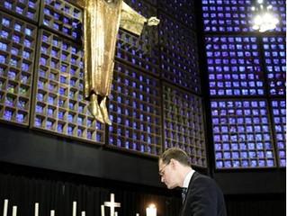 Berlim: Igrejas protestantes realizam cerimônias de oração
