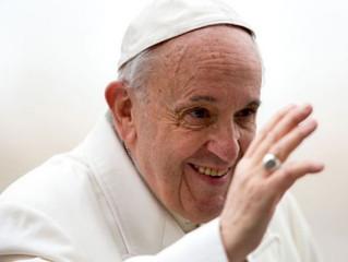 Papa incentiva a criar uma rede mundial de reflexão ética e teológica