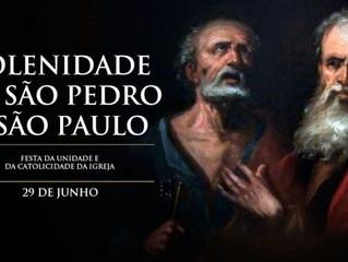 Hoje a Igreja vive a Solenidade de São Pedro e São Paulo, o Dia do Papa