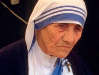 Circula boato atribuído à Madre Teresa de Calcutá