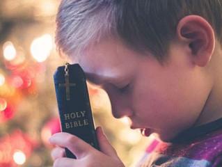 Proibido rezar: Diretor de escola proíbe crianças de rezar na hora da merenda