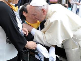 Papa a médicos católicos: solidariedade e testemunho cristão