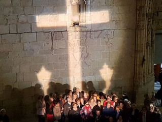 Multam vizinha por projetar uma cruz de luz na Espanha