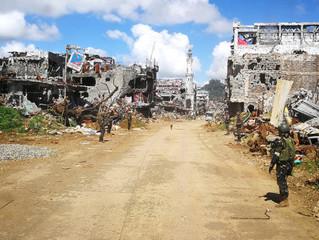 Grupo EI começa a abandonar último reduto em Damasco