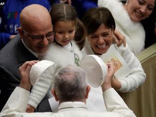 """Papa institui """"Ciências sobre o Matrimônio e a Família"""""""