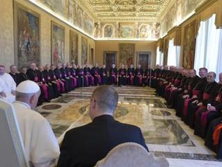 Papa: construir laços de fraternidade com os pentecostais