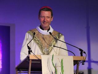 Era protestante, converteu-se por São João Paulo II e agora é bispo católico