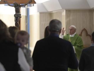 """Papa: abrir o coração com esperança e afastar a """"paganização"""" da vida"""