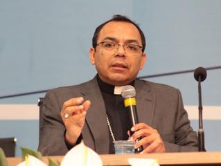 """""""Vale a pena carregar essa Igreja com amor"""", diz secretário do Celam aos bispos do Brasil"""