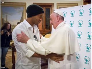 """""""Unidos pela Paz"""" reunirá craques do futebol no Estádio Olímpico em Roma"""