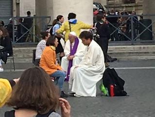 Para atender bem a confissão dos jovens, primeiro deve saber escutá-los, diz o Papa