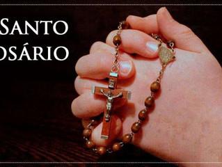Em outubro vive-se o mês do Santo Rosário