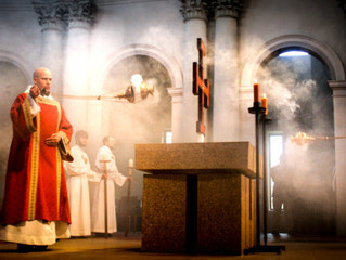 Fumaça sagrada! Por que a Igreja usa incenso na Missa?
