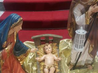 Telão: Sagrada Família e Maria, Mãe de Deus
