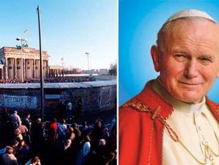 Como São João Paulo II ajudou a derrubar o Muro de Berlim?