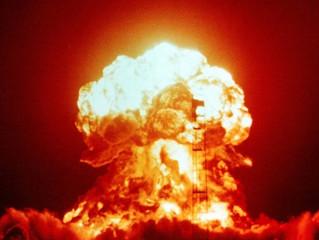 Papa Francisco pede a ONU eliminação das armas nucleares