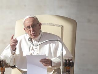 """O cerne da corrupção é ter vendido a alma ao """"deus dinheiro"""", diz Papa"""