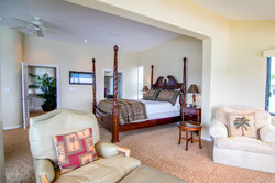 Relaxing Four Poster Bed
