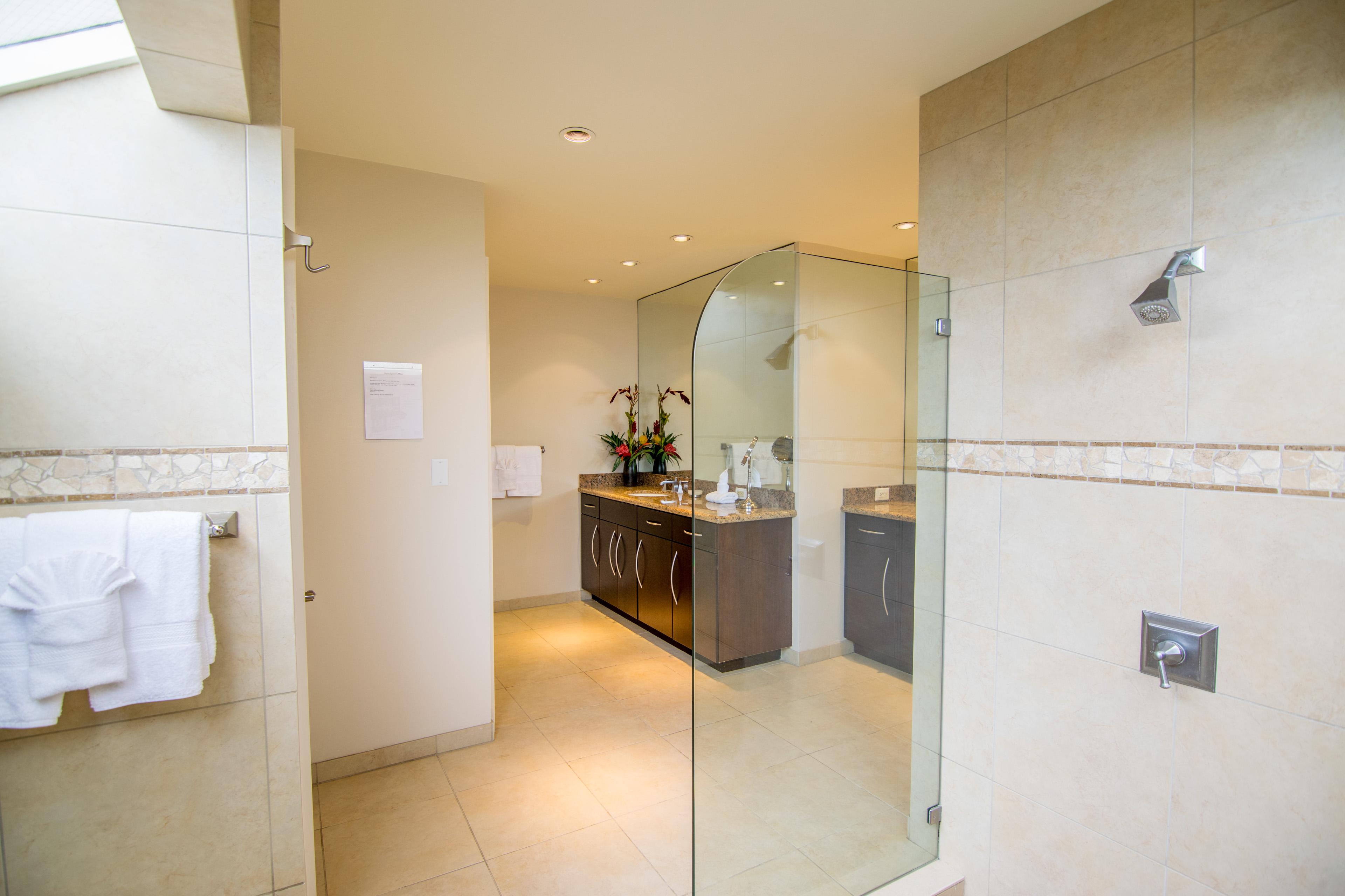 Amazing Interior Bathroom