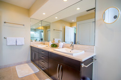 One-bedroom Bathroom