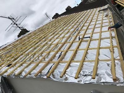 Refection d'un toit tuile par votre Couvreur 95