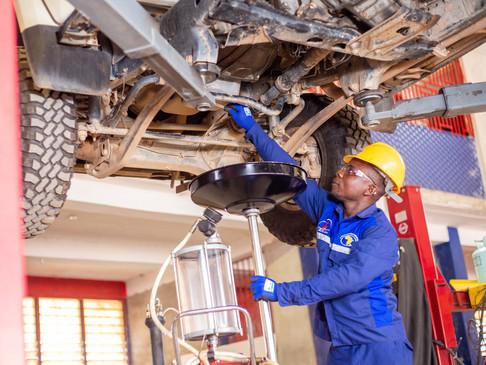 5 TIPS FOR A HEALTHY CAR ENGINE