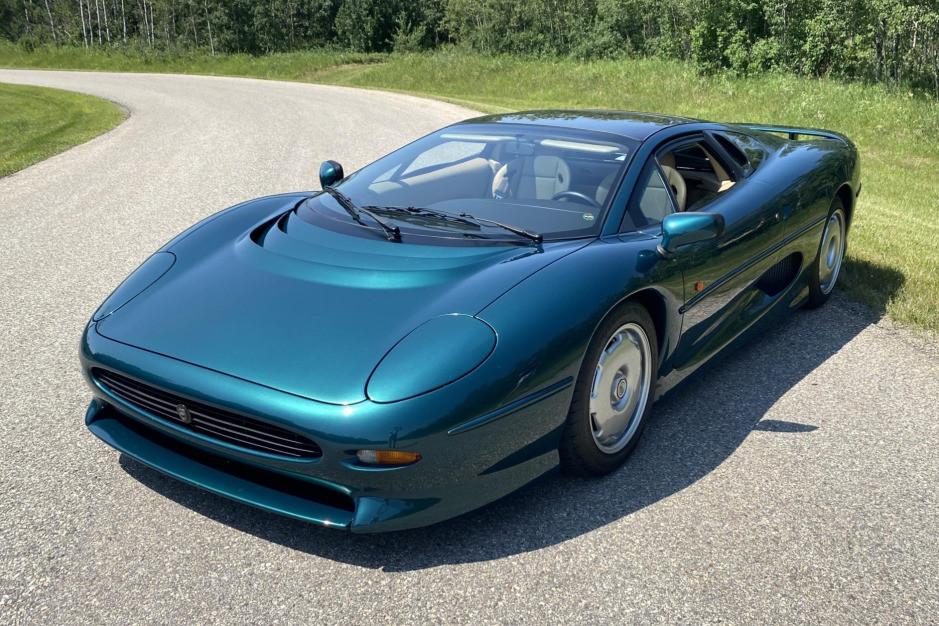 1994_jaguar_xj220_1626293006473835e7711491d56IMG_7404.jpg