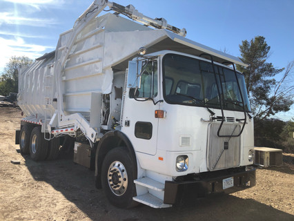 Volvo White Trash Truck