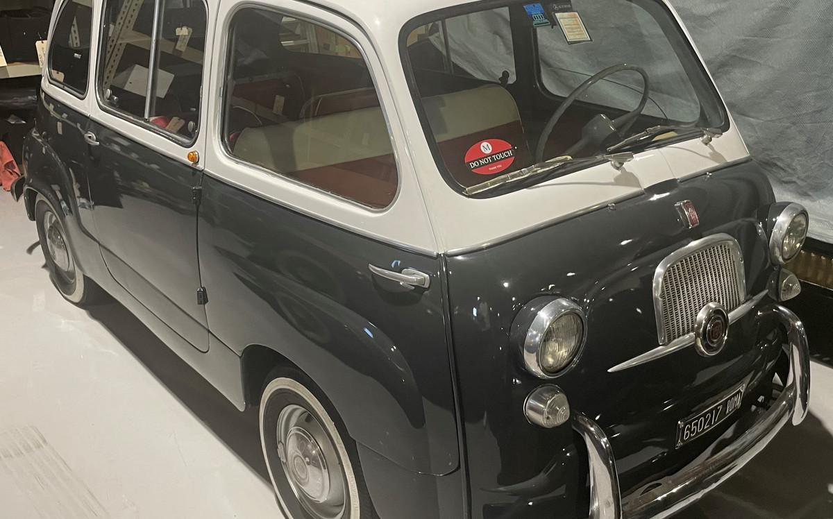 1963 Fiat 600 Multipla.JPG