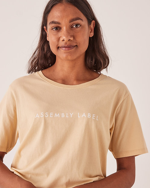 ASSEMBLY LABEL   Logo Tee   Parchment